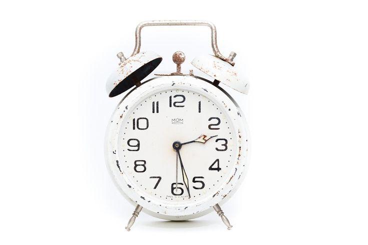 PAMIĘTACIE❓ ❓ ❓:) DZIŚ ZMIANA CZASU Z ZIMOWEGO NA LETNI!!! Dziś z 25 na 26 marca (czyli z soboty na niedzielę) przestawiamy zegar z godziny 2.00 na 3.00, czyli DZIŚ ŚPIMY O GODZINKĘ KRÓCEJ 😠 😨  #tojakobietapl #kobieta #portaldlakobiet #poznań #zegar #przestawiamy #czas #letni #czasletni #sen #śpimy #krócej Portal dla Kobiet www.tojakobieta.pl