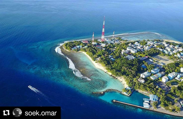 Who would work as a full time island photographer?. . : @soek.omar#drone #drones #dji #dronegear #droneoftheday #quadcopter #dji #parrot #uas #dronephotography #djiphantom