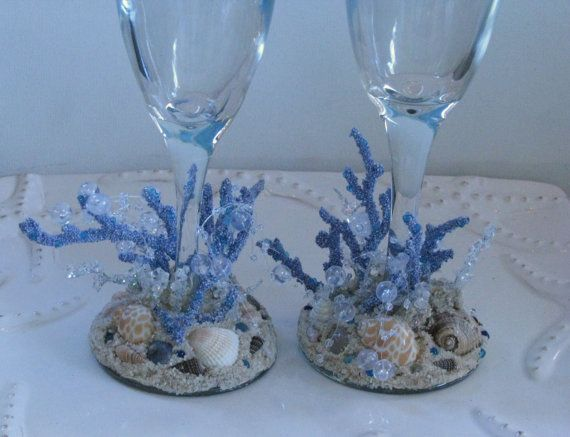 Hey, I found this really awesome Etsy listing at http://www.etsy.com/listing/177079063/wedding-champagne-flutes-beach-seashell