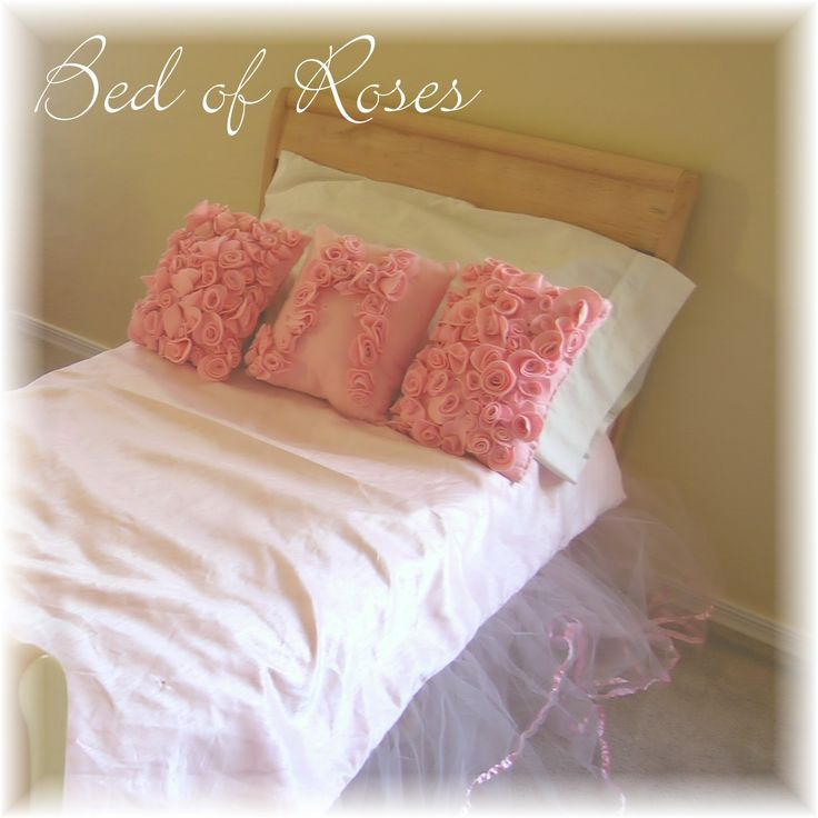 Felt rose pillow tutorial