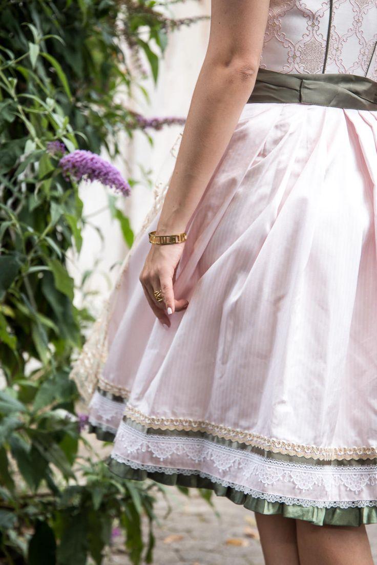 Oktoberfest 2016 - Rosa Dirndl mit Spitzenschürze von Ludwig & Therese