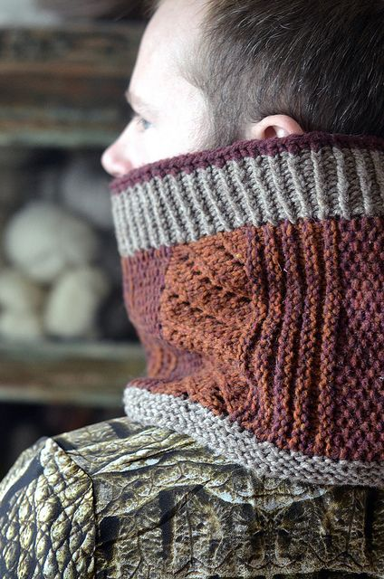 Ravelry: Hofsós Cowl pattern by Stephen West