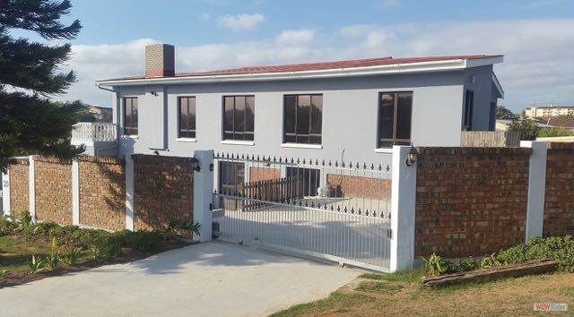 Tyday Accommodation, 6 x spacious self catering accommodation units located in the heart of Port Elizabeth in Nelson Mandela Bay, near all local attractions, shops and easy access to the N2 freeway.