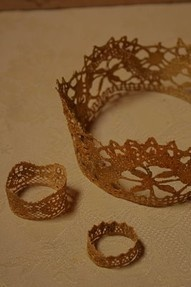 "DIY  :: Easy gold crows - lace, a little paint, and Mod-Podge: voila!  We are all ""Queen of Something"" right?  Let's make our crowns n wear em!! cw"