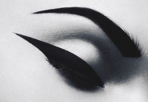 Try these different eyeliner shapes this festive party season for attention grabbing eye makeup http://www.burlexe.com/beauty/make-up/burlesque-beauty/different-eyeliner-styles-try-now/