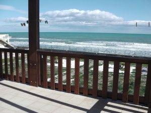 Горячее предложение!!! Вилла прямо на берегу моря, на пляже, в 25 км от аэропорта Катании, местечко Аньоне Баньи. Только на период с 10 июля по 25 августа.
