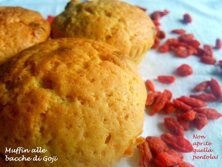Per la colazione, per merenda o per uno sfizio goloso ecco a Voi i muffin alle bacche di Gojii, tutti da provare :)   http://blog.giallozafferano.it/nonapritequellapentola/muffin-alle-bacche-di-goji/  #nonapritequellapentola #giallozafferano #bacche  #gojii #ilthedellecinque #muffin #muffins #dessert #breakfast #colazione