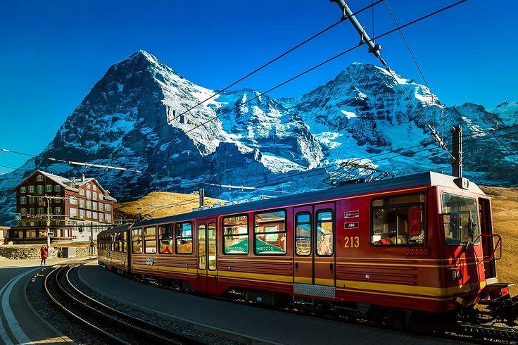 Jungfraujoch - Top of Europe - Switzerland -Die Jungfraubahn - Zwischenstation Eigerwand ©...