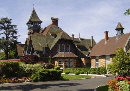 Paris Country Club - Le Manoir : Superbe lieu de séminaire situé à seulement 10 minutes de Paris. http://www.aleou.fr/salle-seminaire/1771-paris-country-club-le-manoir.html