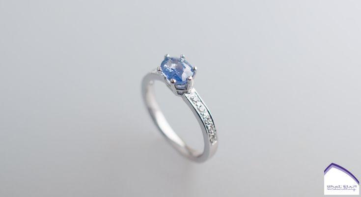 Witgouden verlovingsring met Saffier en Diamant
