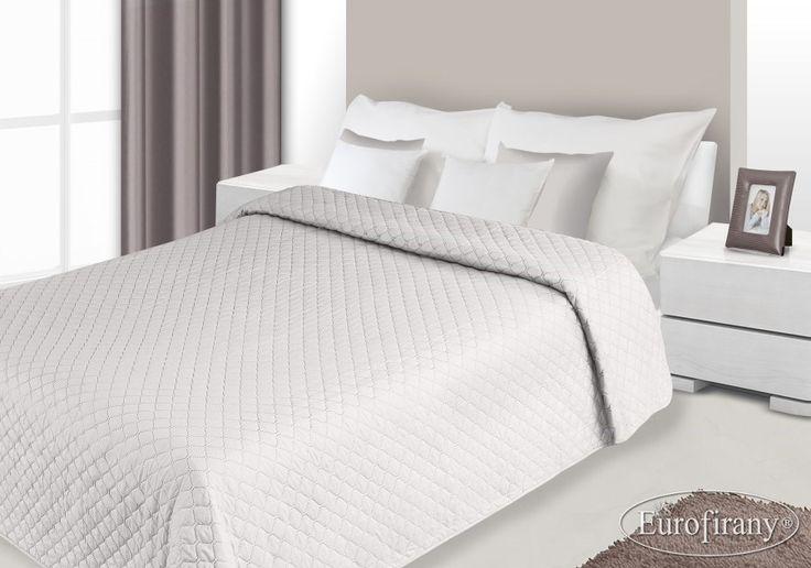 Kremowa dwustronna narzuta na łóżko