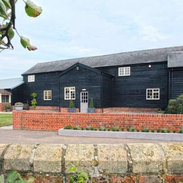 Milling Barn, Hertfordshire Wedding Venue - Milling Barn wedding venue in Throcking, Hertfordshire