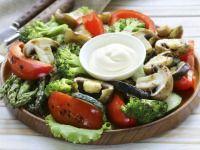 Grilovaná zelenina s dipem z majonézy