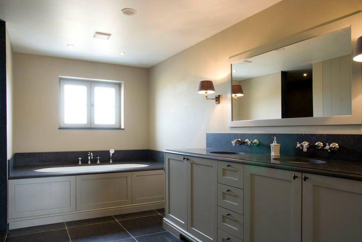 Landelijk/klassieke badkamer