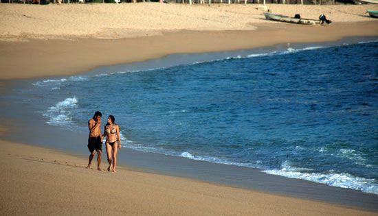 ¿Te gustan los destinos donde puedes estar rodeado por la naturaleza? Estas tranquilas playas de Michoacán te fascinarán. ¡Visítalas estas vacaciones!