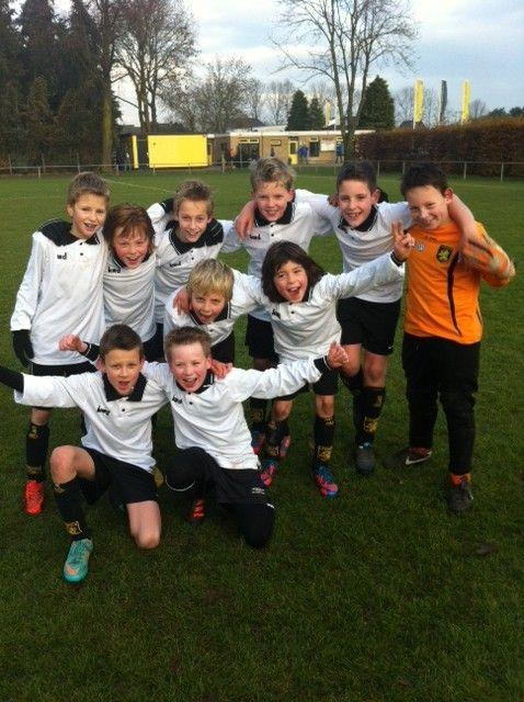 voetbalteam E2 Leones