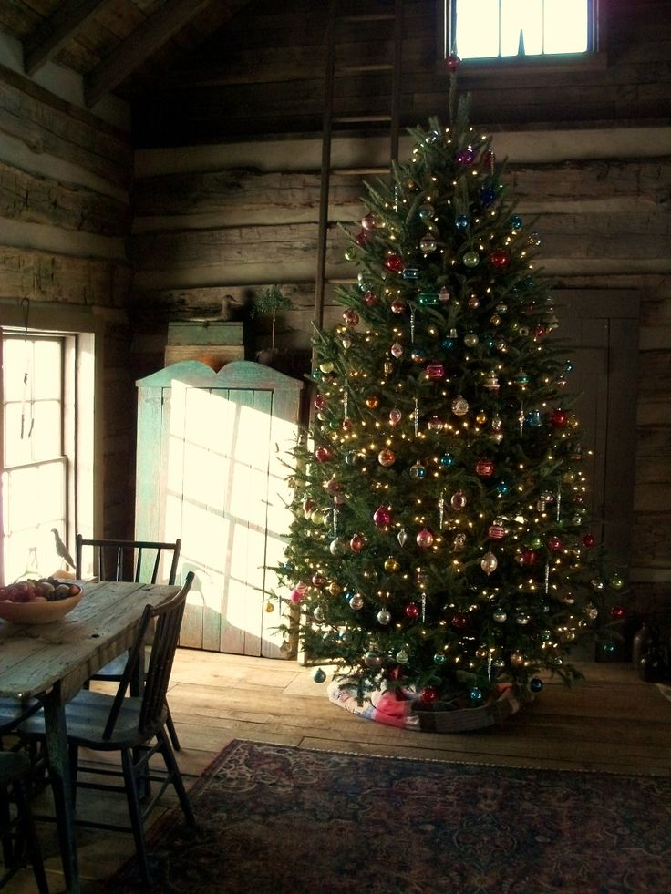 Christmas Tree In Rustic Setting Holiday Decorating