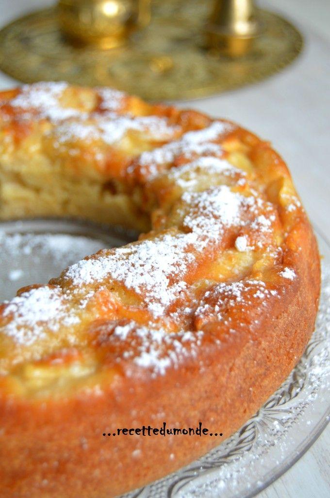 Coucou, un petit Cake aux pommes pour le goûter avant que les pommes ne s'abîment! Recette trouvée sur le magnifique blog de Manue ! Ingrédients; .3 œufs .130 g de sucre roux .La pulpe d'une gousse de vanille .150g de crème fraîche liquide .160g de farine...