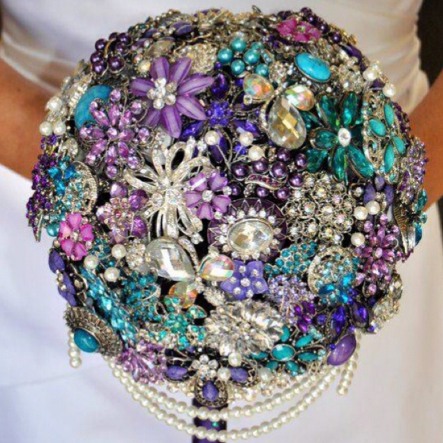 Brooch bouquetIdeas, Brooch Bouquets, Bridal Bouquets, Brooches Bouquets, Weddingbouquets, Wedding Bouquets, Colors, Flower, Broach Bouquets
