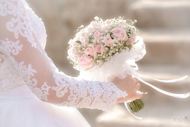 La Esposa mencionada junto con el Espíritu en Apocalipsis 22, es Dios Madre = La esposa que nos llama junto con el #Espíritu_Santo para darnos el agua de la vida, es #Dios_Madre, no los santos, porque ellos no pueden dar la vida eterna. Todos recibamos al Espíritu y la Esposa, Dios Padre y Dios Madre, con un corazón humilde y entremos en el eterno reino de los cielos.