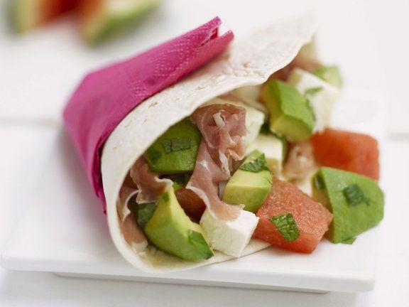 Tortilla mit Rohschinken, Avocado und Wassermelone #tortilla #schinken #avocado #wassermelone #melone