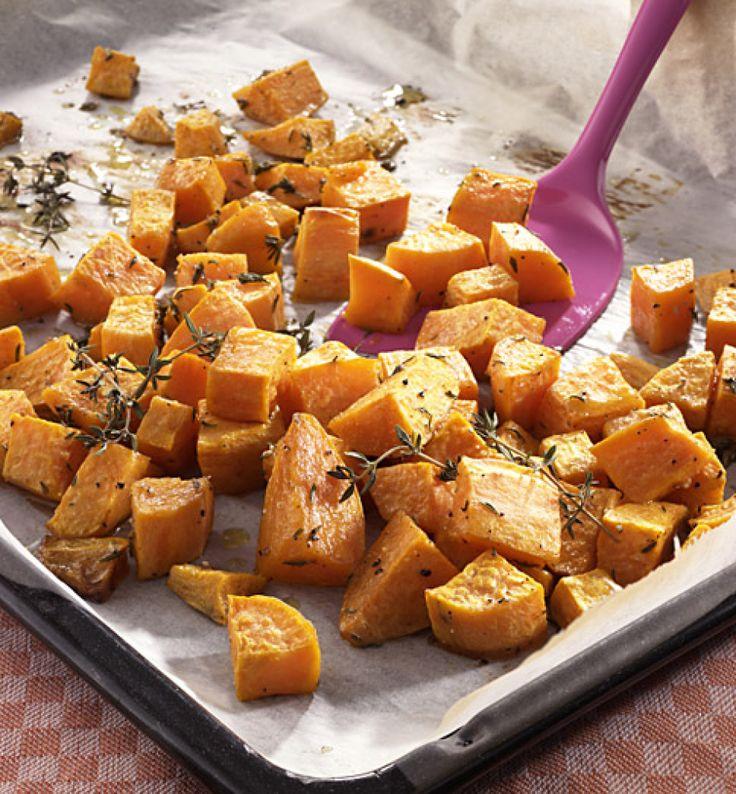 Rezept für Geröstete Süßkartoffelwürfel bei Essen und Trinken. Ein Rezept für 2 Personen. Und weitere Rezepte in den Kategorien Gemüse, Kräuter, Beilage, Backen, Einfach, Schnell, Vegetarisch.