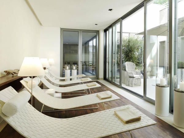 81 best Andreu World images on Pinterest Chairs Lounge chairs