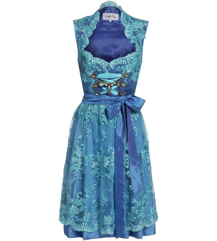 Wir lieben das blaue Designer Dirndl von Dirndl Liebe... Mehr unter www.dirndl-liebe.de
