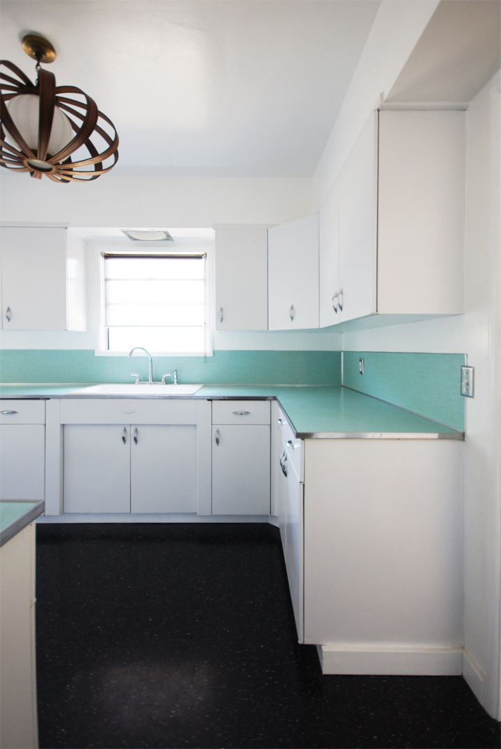 Turquoise Countertop, Linoleum And Light Fixture At The Brick House