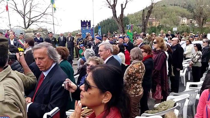 Crianças italianas cantando o hino da FEB (forças expedicionárias brasil...