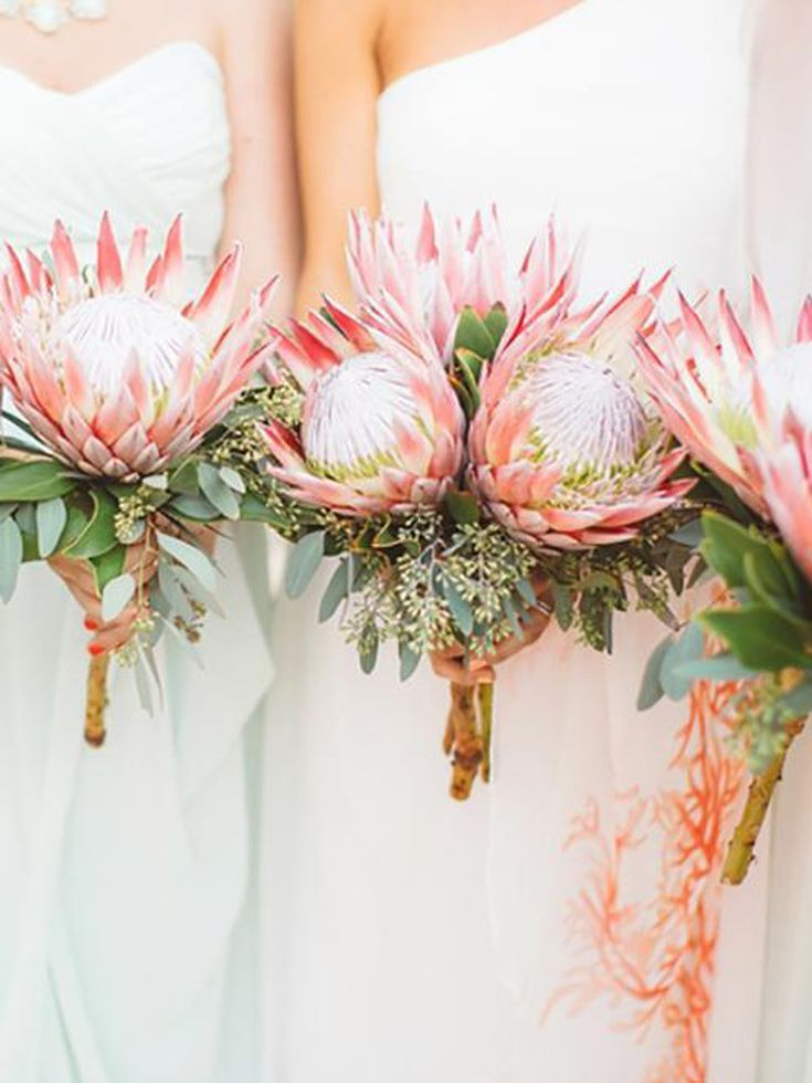 King Protea Bridal Bouquets That Are Crazy Striking Protea Bouquet Wedding Protea Wedding Bridesmaid Flowers