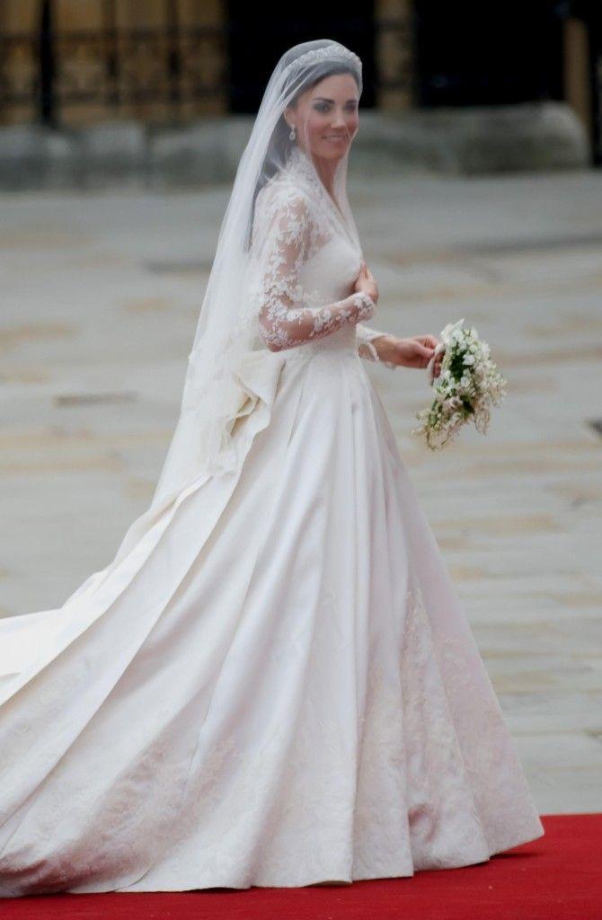 Kate Middleton Wedding Dress on Pinterest Kate middleton wedding ...