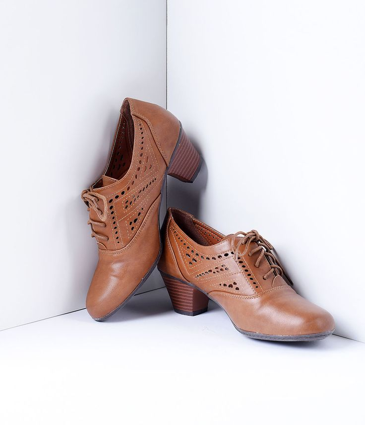 1930s Style Shoes Lemon Tree Tan Brown Lace Up Perforated Oxford Mid Heels  Size 10 $42.00 AT vintagedancer.com