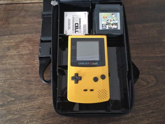 Original Nintendo Gameboy Color In Yellow With Four Games Ms Pacman And Protective Case 1998 Retro Gaming Christmas Or B Gameboy Original Nintendo Cell Games