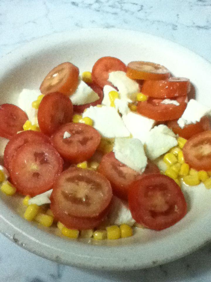 Mozzarella mais e pomodori alla marisa   sul mio blog http://monicu66.blogspot.it/2014/09/provviste-per-linverno-con-sipo-sapori.html#comment-form
