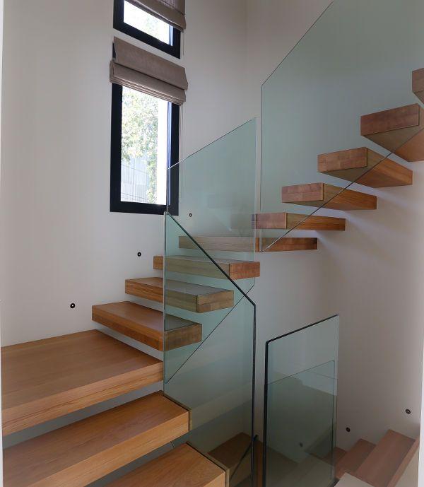 1000 id es sur le th me garde corps verre sur pinterest garde corps escali - Escalier fixe au mur ...