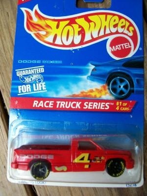 HOT WHEELS 1996 RACE TRUCK SERIES # 1 DODGE RAM 1500 (RED)  FREE SHIPPING!!