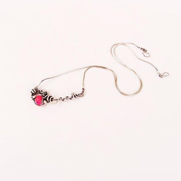 Pink:+srebrny,+delikatny+naszyjnik+w+Feminine+na+DaWanda.com