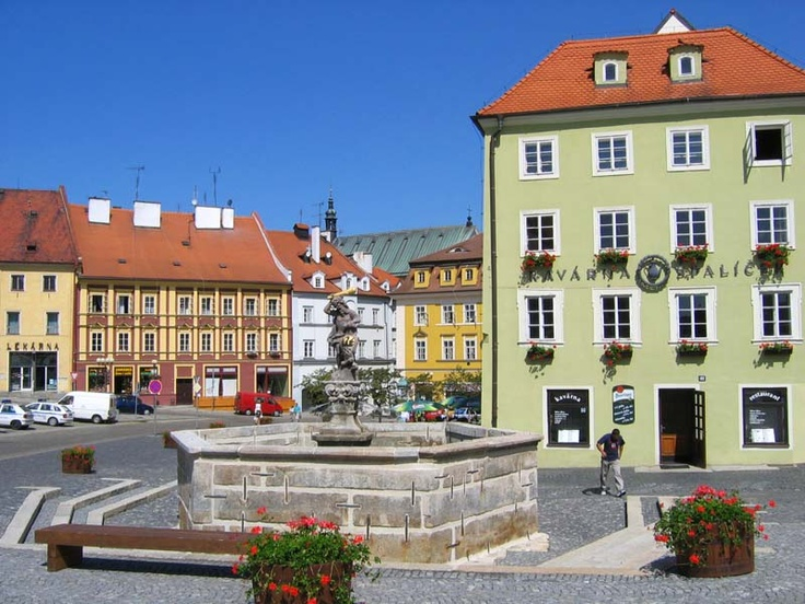 Cheb, Czech Republic --saw this fountain, this isn't the best angle of the square. GORGEOUS.