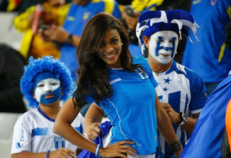 #Worldcup Honduras fans support their team, nice sight....