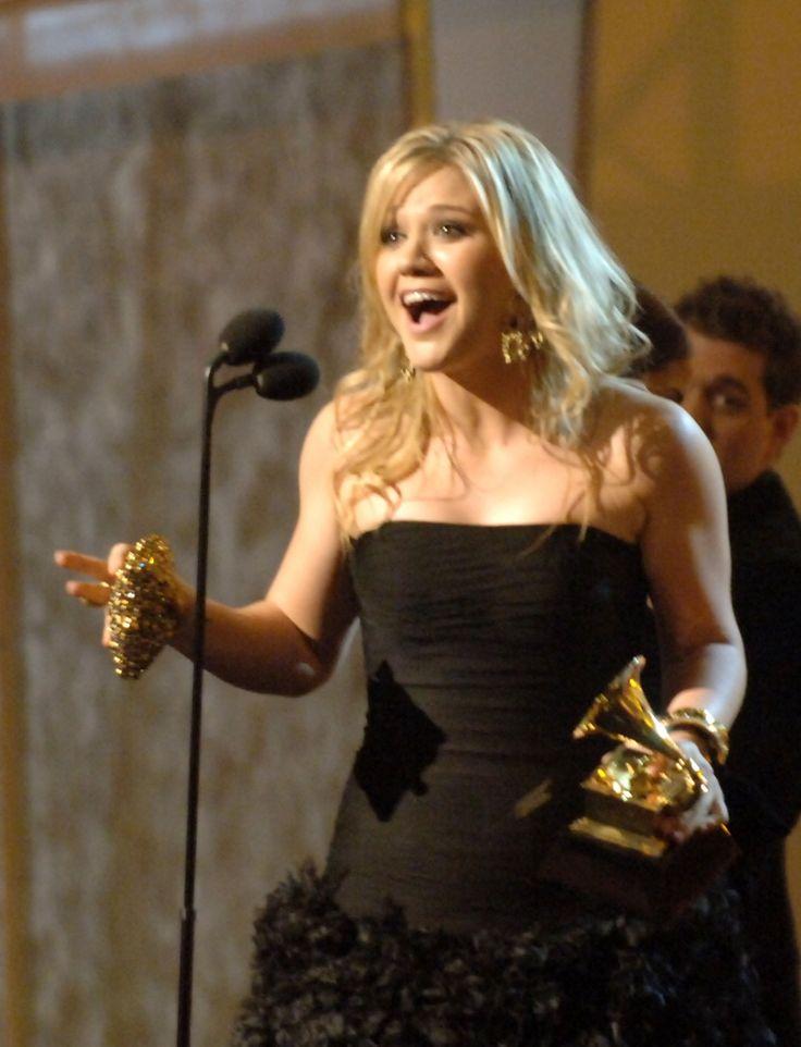 Kelly Clarkson | GRAMMY.com