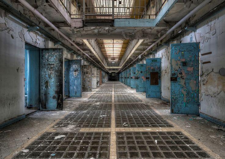 Una prigione abbandonata, dal libro Frozen