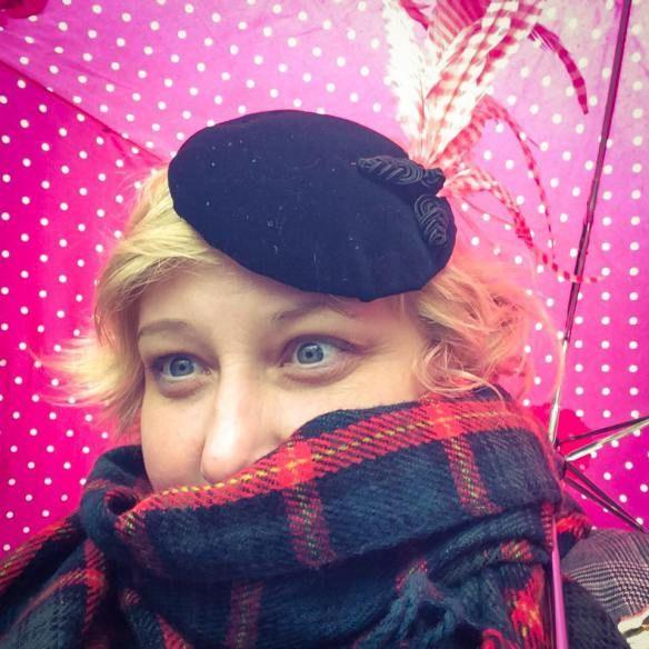 The KittyBike at the Tweedrun Gütersloh | Miss Kittenheel LindyBop Adalene skirt tweed jacket hat fascinator dutch bike gazelle pink tires tartan scarf vintage retro 1950s 50s pinup rockabilly