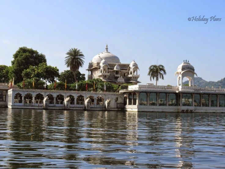 http://planning4holidays.blogspot.in/2014/12/udaipur-venice-of-east-chittorgarh.html .. Jag Mandir .. #venice #east #lake #city #rajput #historic #Mewar #agency #beautiful #capital #kingdom #Udaipur #Rajasthan #India #HolidayPlans #jag #mandir #temple