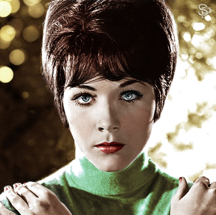 Linda Thorson Nude Photos 29