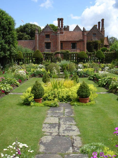 Midsomer Murders Locations - Chenies Manor and Gardens, Buckinghamshire