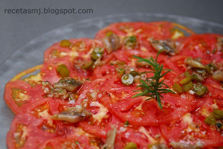 Carpaccio de tomate con vinagreta de anchoas