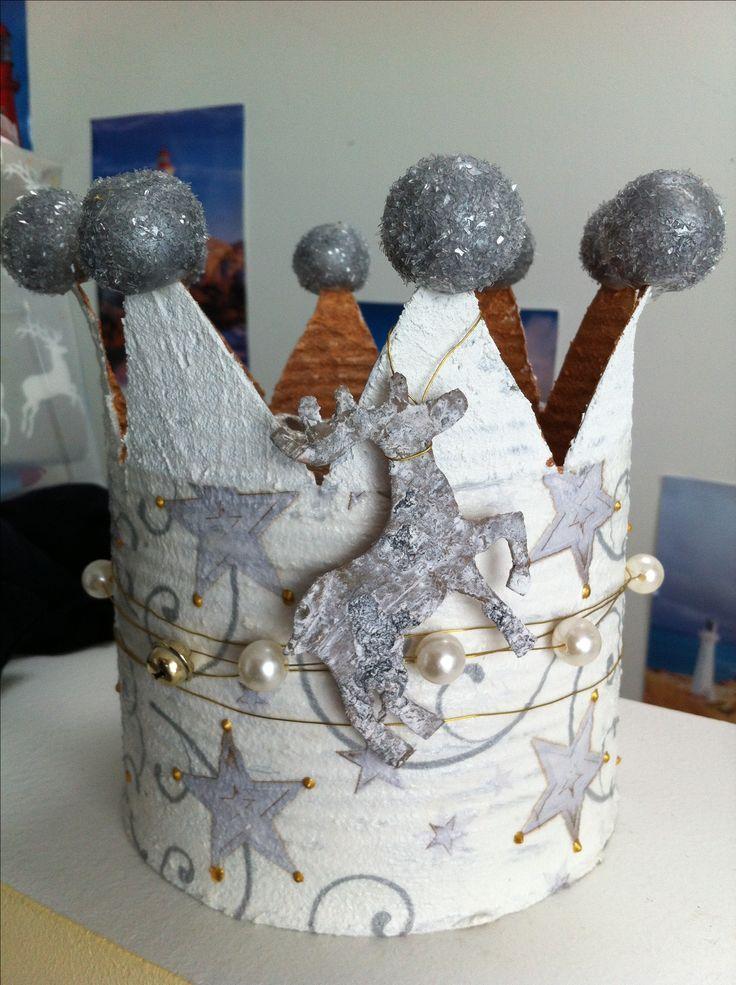 Weihnachtliche Krone aus Büchse