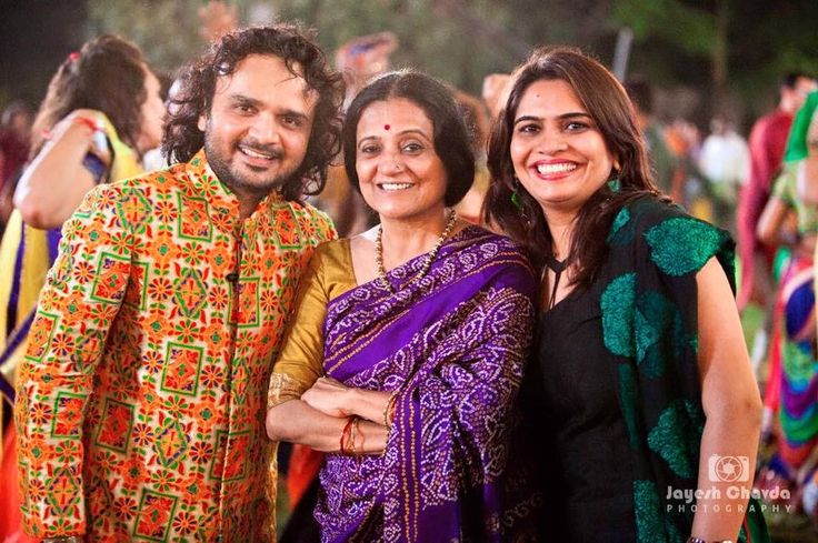 Garba is more fun when you have friends and well wishers dancing to your songs.  Here is a photo after the dancing with Bhawna Ji and Kajal