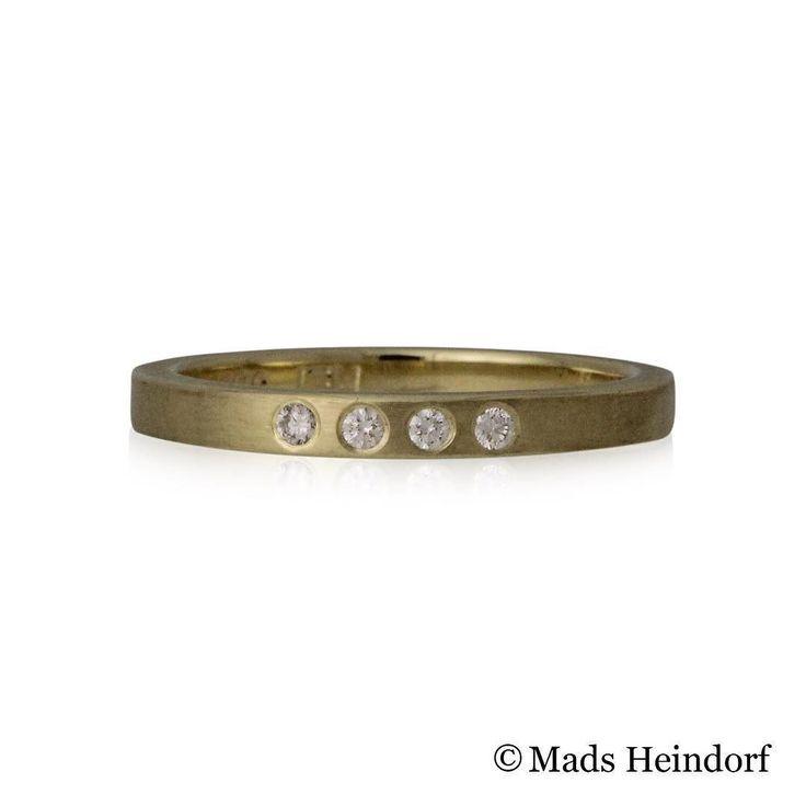 Livets ring  #alliancering af #guld med #diamanter fra #madsheindorf #jewellery